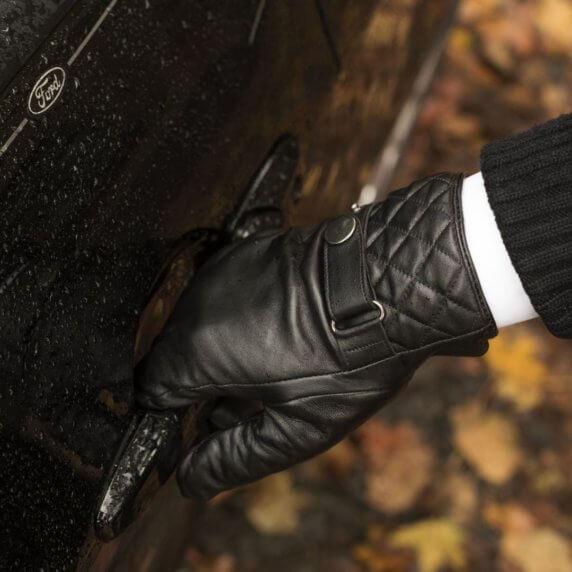 Black touchscreen gloves for men