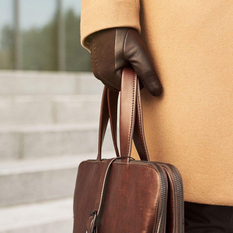 Elegant brown gloves for men