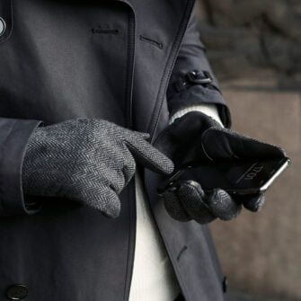 napoGENT grey touchscreen gloves for men