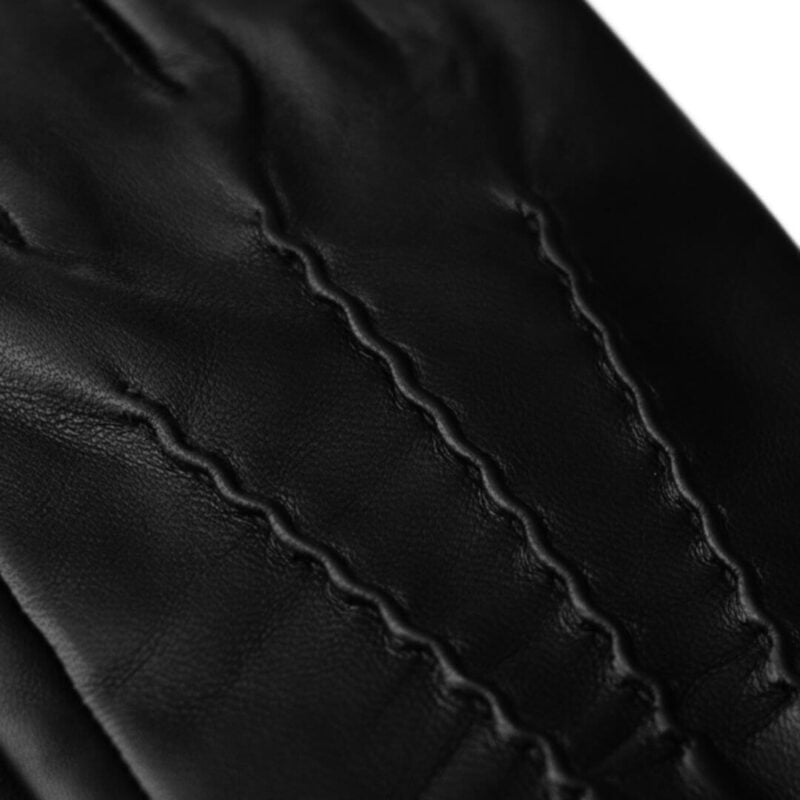 Black winter gloves with cashmere lining