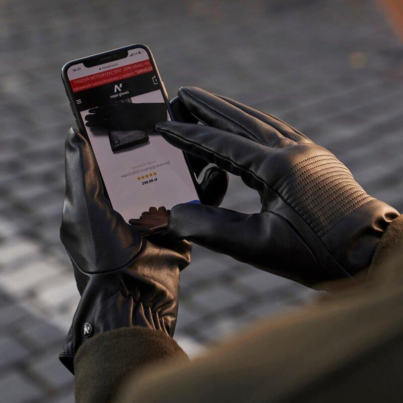 Black touchscreen gloves