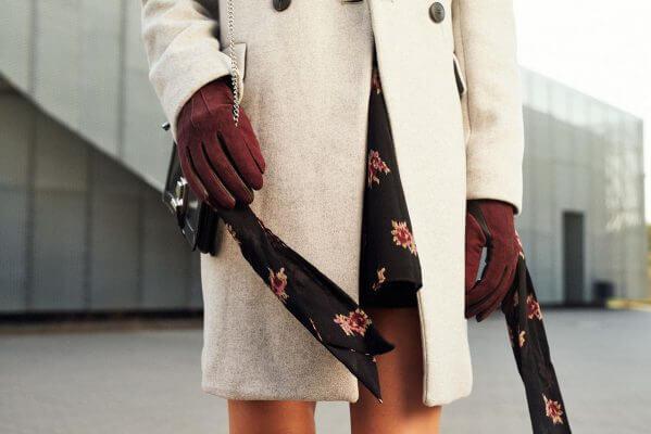 Rękawiczki bordowe modny dodatek do ubrania